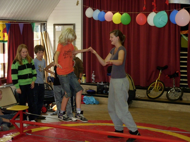 Circus Kiko - workshops - kinderen en tieners - workshop koorddansen
